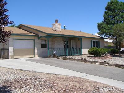 Rio Rancho Single Family Home For Sale: 724 Hood Road SE
