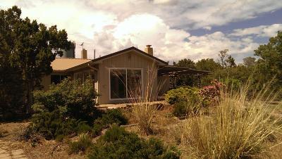 Cedar Crest Single Family Home For Sale: 213 Sangre De Cristo