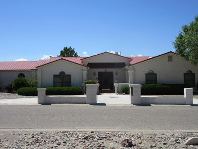 Single Family Home For Sale: 2000 Embarcadero Court