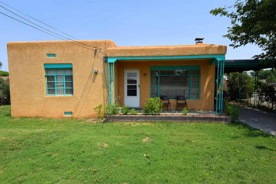 Los Ranchos Single Family Home For Sale: 625 Ranchitos Road NW
