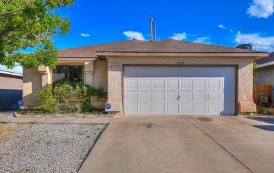 Albuquerque Single Family Home For Sale: 10320 Johncock Avenue SW