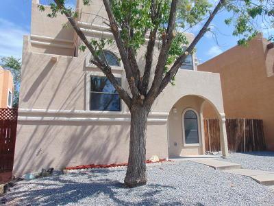Albuquerque NM Single Family Home For Sale: $174,000