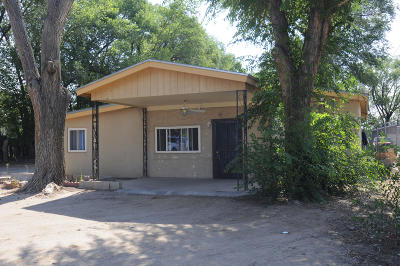Albuquerque Single Family Home For Sale: 1418 Sunset Road SW