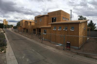 Albuquerque Single Family Home For Sale: 2416 Carson Road NW