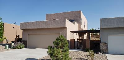 Single Family Home For Sale: 3225 Oakmount Drive SE