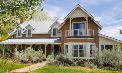 Santa Fe County Single Family Home For Sale: 36 Martin Lane