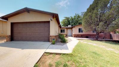 Single Family Home For Sale: 7404 San Francisco Road NE