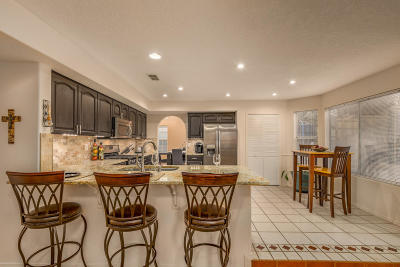 Albuquerque Single Family Home For Sale: 8424 Sandoval Street NE