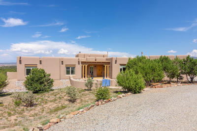 Tijeras, Cedar Crest, Sandia Park, Edgewood, Moriarty, Stanley Single Family Home For Sale: 15 Osito Road