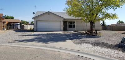 Valencia County Single Family Home For Sale: 7 El Tigre Drive