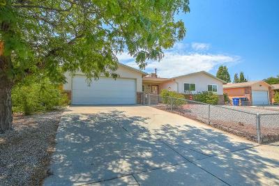 Single Family Home For Sale: 7504 San Francisco Road NE