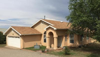 Tijeras, Cedar Crest, Sandia Park, Edgewood, Moriarty, Stanley Single Family Home For Sale: 10 Southwood Drive