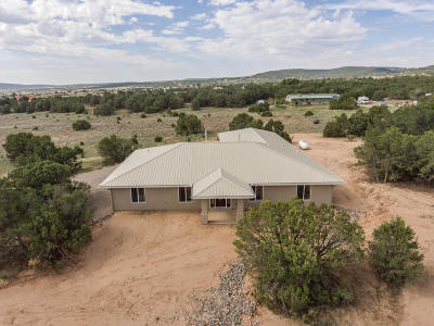 Tijeras, Cedar Crest, Sandia Park, Edgewood, Moriarty, Stanley Single Family Home For Sale: 14 Trade Court
