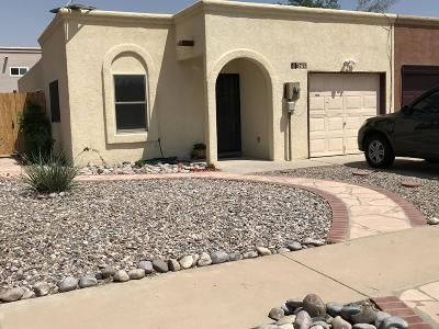 Albuquerque Attached For Sale: 6715 Mayhill Court NW
