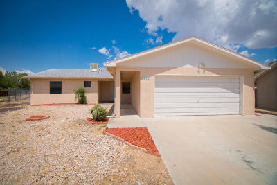 Valencia County Single Family Home For Sale: 1010 Cypress Court