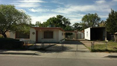 Albuquerque NM Single Family Home For Sale: $180,000