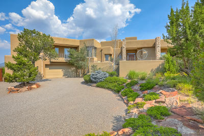 Single Family Home For Sale: 2 Blue Corn Court