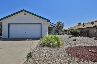 Valencia County Single Family Home For Sale: 13 Milagro Court
