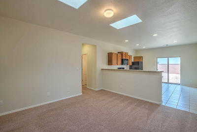 Albuquerque Attached For Sale: 9900 Sacate Blanco Avenue SW