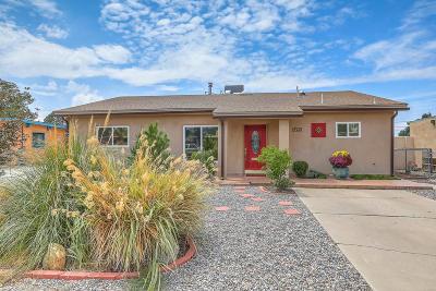 Albuquerque Single Family Home For Sale: 2625 Indiana Street NE