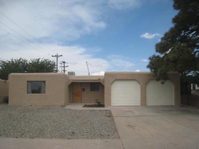 Albuquerque Single Family Home For Sale: 8309 Fruit Avenue NE