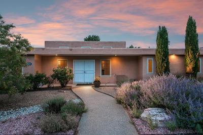 Single Family Home For Sale: 4901 Larchmont Drive NE
