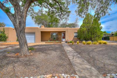 Albuquerque Single Family Home For Sale: 400 Cardenas Drive NE