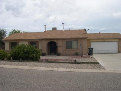 Rio Rancho Single Family Home For Sale: 424 Feldspar Drive NE