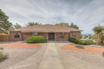Single Family Home For Sale: 13442 Desert Hills Place NE