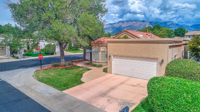 Albuquerque Single Family Home For Sale: 6712 Cypress Point Way NE