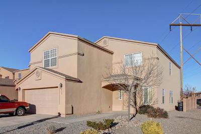 Bernalillo County Single Family Home For Sale: 932 Villarrica Street NW