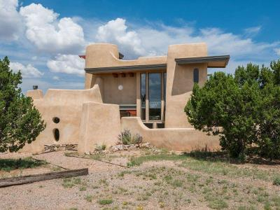 Tijeras, Cedar Crest, Sandia Park, Edgewood, Moriarty, Stanley Single Family Home For Sale: 146 Rough Road