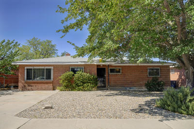 Single Family Home For Sale: 1809 Cornell Drive SE