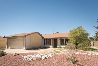 Albuquerque Single Family Home For Sale: 5709 Chimayo Drive