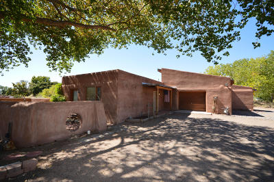 Single Family Home For Sale: 2629 Pajarito Meadows Road SW