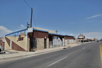 Albuquerque Multi Family Home For Sale: 3917 4th Street NW