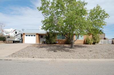 Albuquerque, Rio Rancho Single Family Home For Sale: 6215 Roadrunner Loop NE