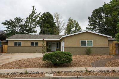 Albuquerque Single Family Home For Sale: 8801 Aspen Avenue NE