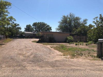 Albuquerque NM Single Family Home For Sale: $126,000