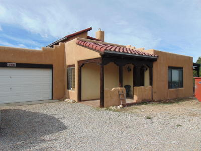 Tijeras, Cedar Crest, Sandia Park, Edgewood, Moriarty, Stanley Single Family Home For Sale: 108 Pinon Heights Road