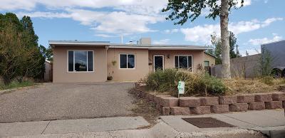 Albuquerque NM Single Family Home For Sale: $130,000