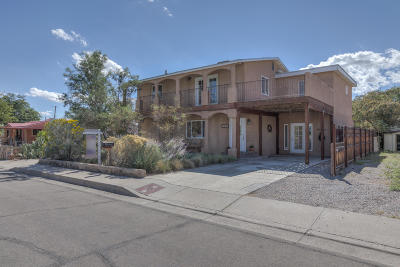 Albuquerque Single Family Home For Sale: 1318 Douglas Macarthur Road NW