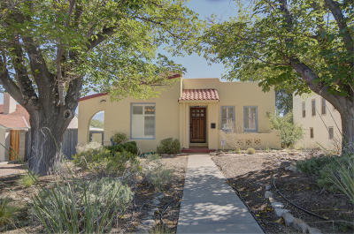 Single Family Home For Sale: 218 Hermosa Drive SE