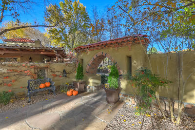 Los Ranchos Single Family Home For Sale: 5435 Eakes Road NW