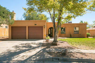 Single Family Home For Sale: 8612 Brandywine Road NE