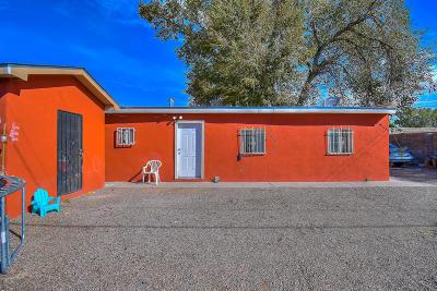 Albuquerque Single Family Home For Sale: 1639 Atrisco Drive