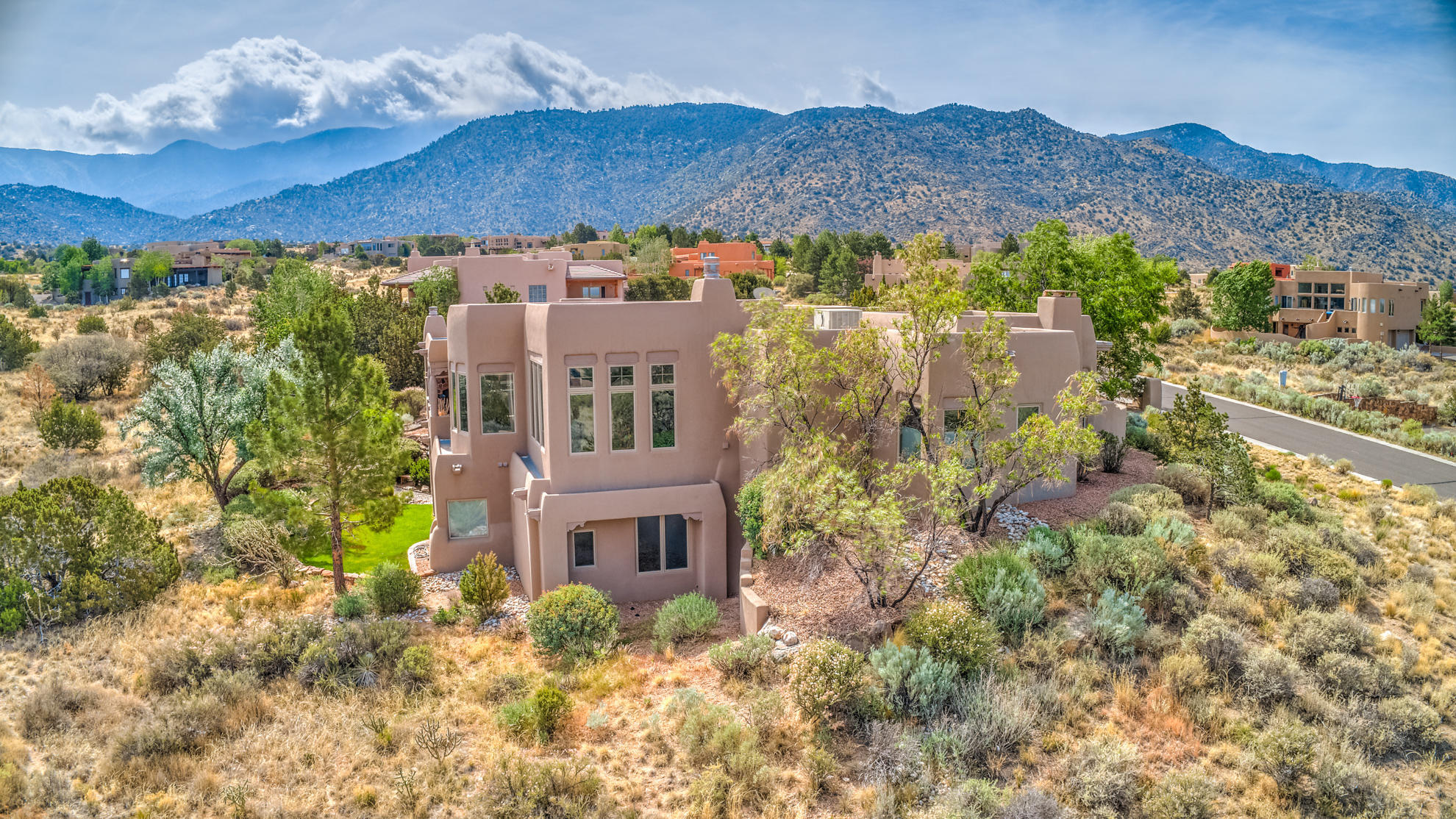 4 Bed4 Bath Home In Albuquerque For 1000000
