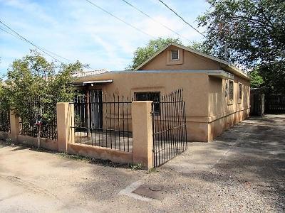 Albuquerque Single Family Home For Sale: 1936 Granada Court SW