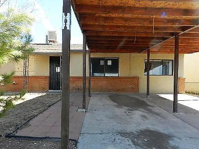 Albuquerque Single Family Home For Sale: 800 Estancia Drive NW