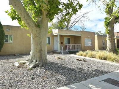Bernalillo County Single Family Home For Sale: 3318 Mackland Avenue NE